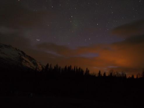 Pemandangan di depan mata saya malam itu.